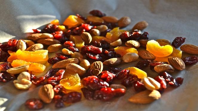 white-chocolate-cranberry-nut-bark01