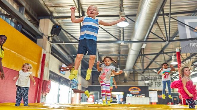 #KIDS – Get The Kids Bouncing At IJump