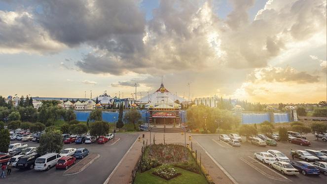 Heritage market