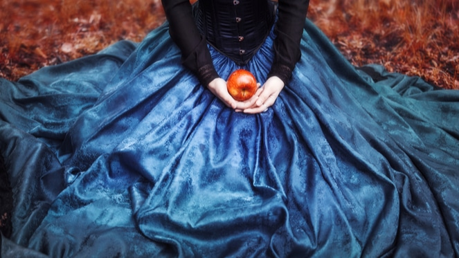 Bite Into The Tale Of The Infectious Apple Of Snow White