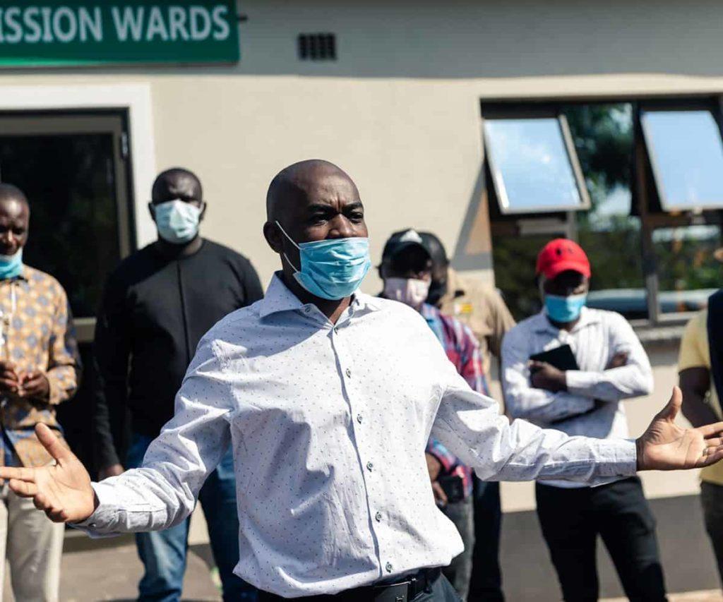 Zimbabwe frees journalists held for 'coronavirus breach'