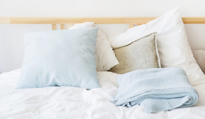 white-blue-bed-linen-bed