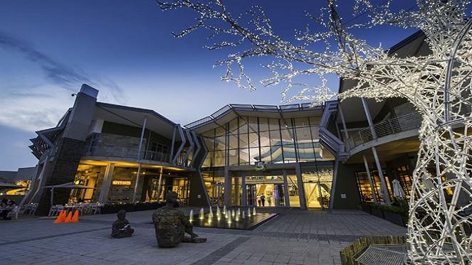 Cradlestone Mall exterior